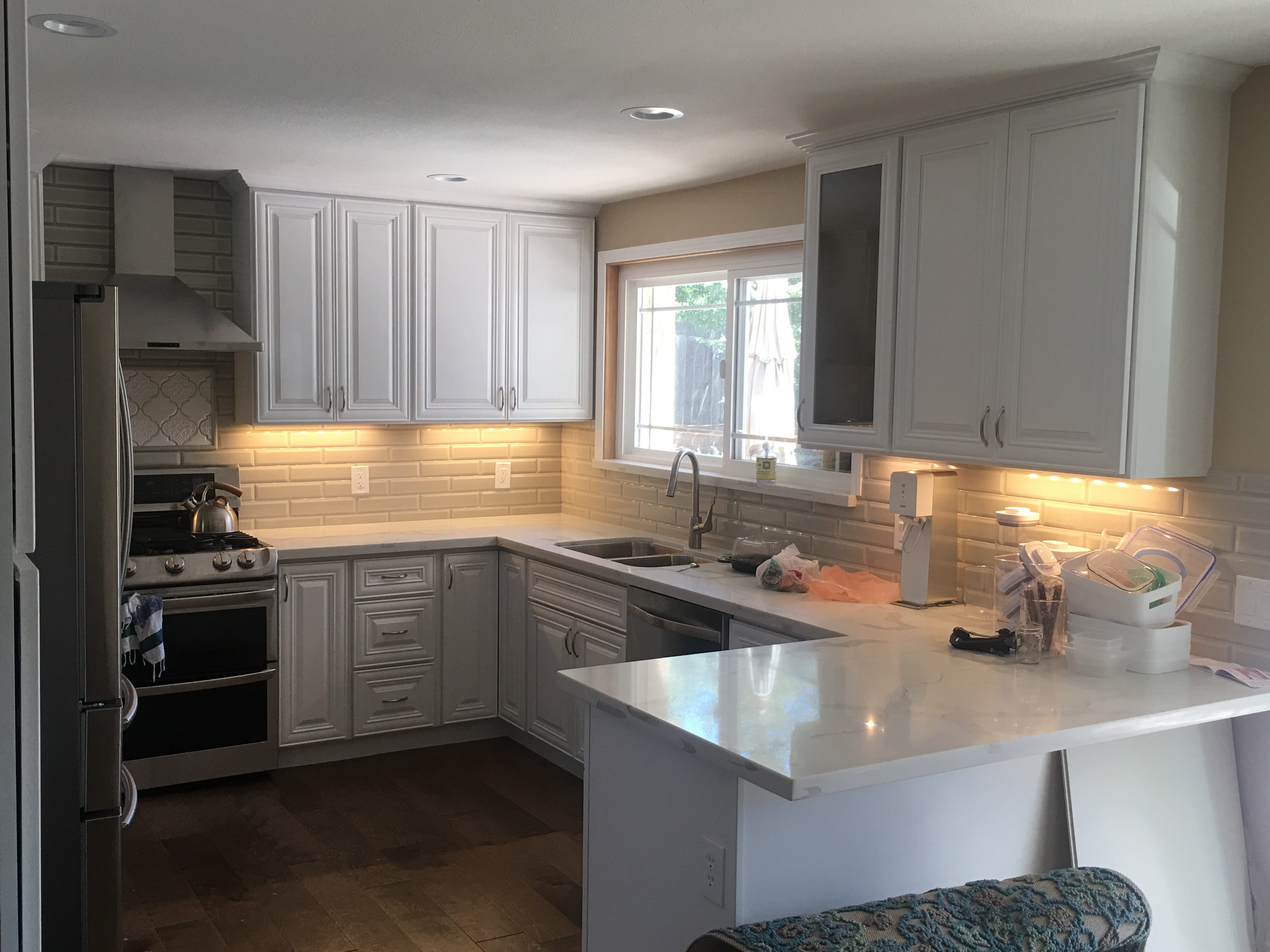 white-marble-counters